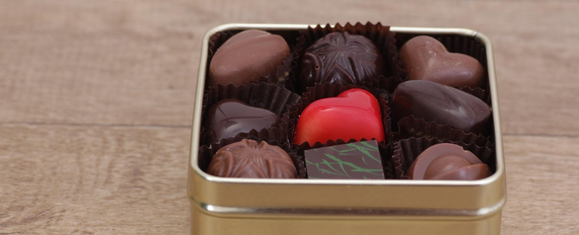 Ruční výroba pralinek a tabulkové čokolády